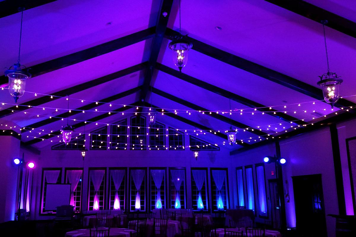 Adventure Aquarium Wedding with Lighting